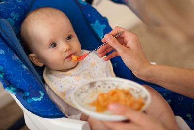 Ребенок плохо ест прикорм в 8 месяцев