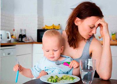 Ребенок плохо ест прикорм в 6 месяцев