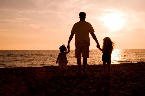 Красивые и короткие стихи про папу для детей 4-5 лет
