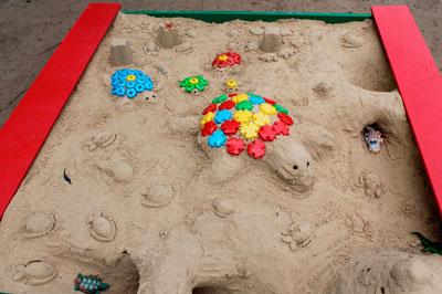 Летние развивающие игры для детей с песком